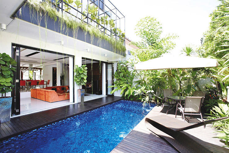 A luxurious modern resort like terrace house home for Best house resort design