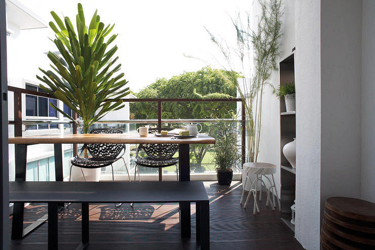 10 fresh ideas for decorating with plants home decor for Balcony ideas singapore