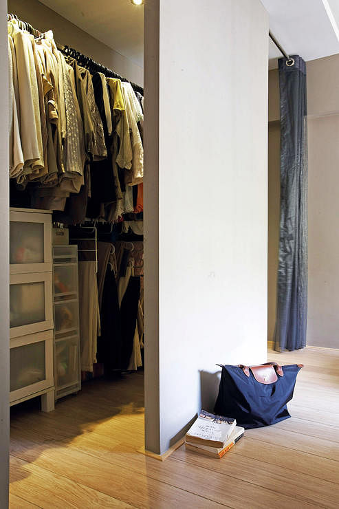 small closet renovation ideas - Want a walk in wardrobe in a small HDB flat Here are 7