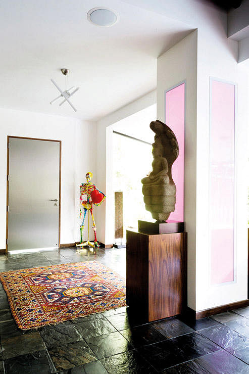 House Tour An Artistic Home Spiced Up With Wild Colours