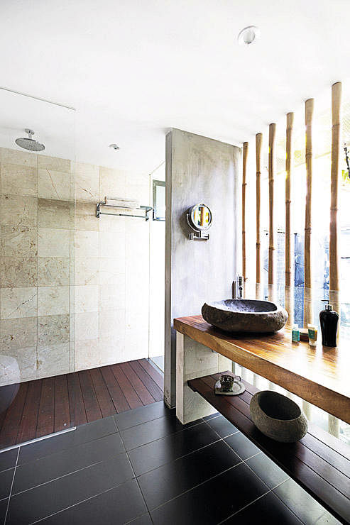 Balinese bathroom bamboo concrete traditional simple bathroom design