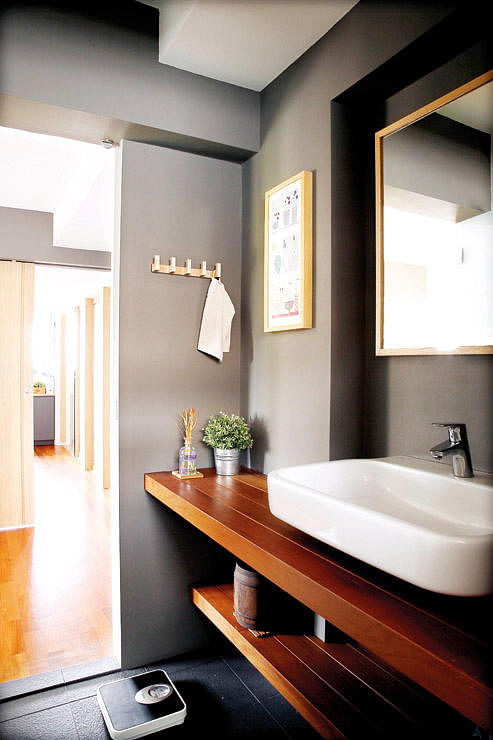 Read about a jumbo flat HDB bathrooms and HDB walk in wardrobes