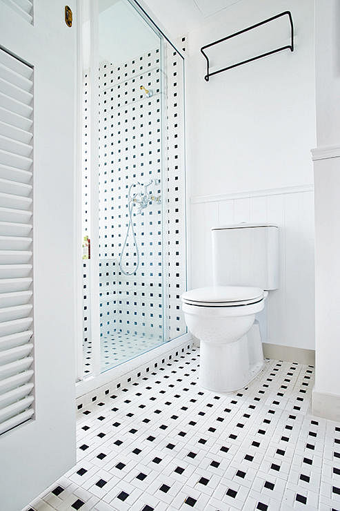 Want to pep up a dull bathroom here s how home decor for Small bathroom ideas hdb
