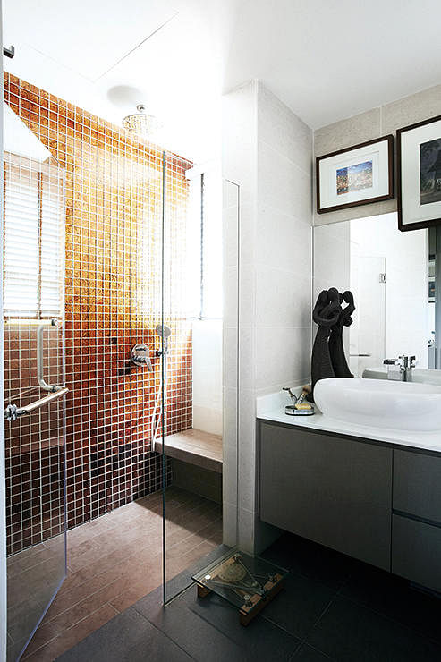 dealing with mould shower screen glass doors