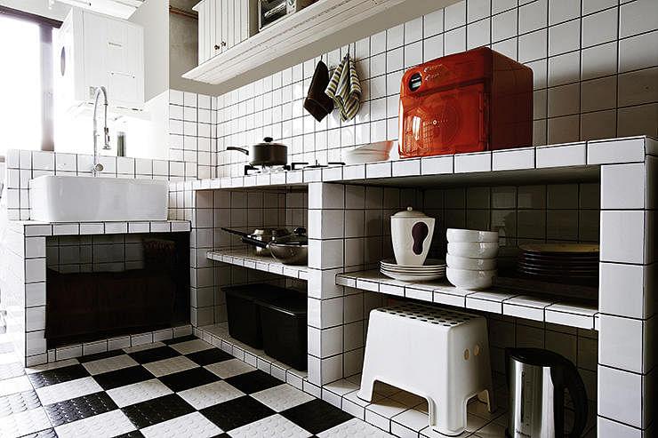 Create Visual Drama With Black And White Floors Home