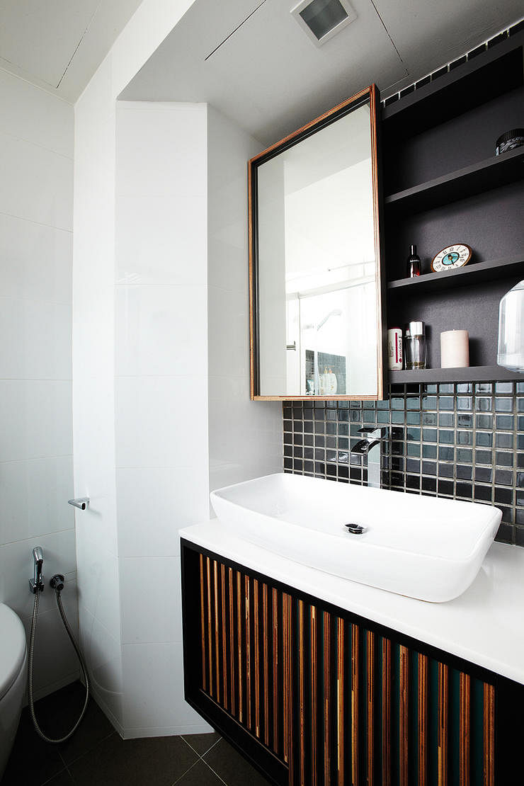 Can i conceal plumbing and gas pipes in my hdb flat for Small bathroom ideas hdb