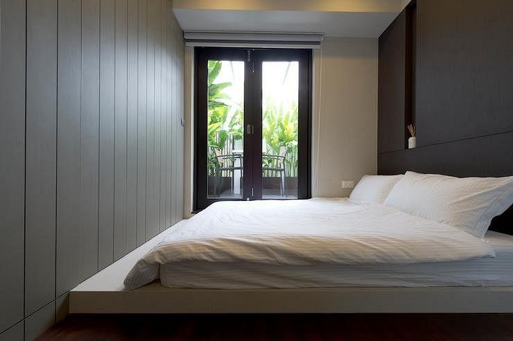 Bedroom design ideas 6 small simple and stylish spaces for Bedroom ideas singapore