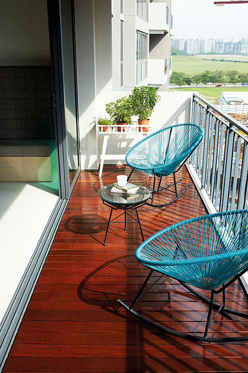 Balcony decking which material works best home for Condo balcony ideas singapore