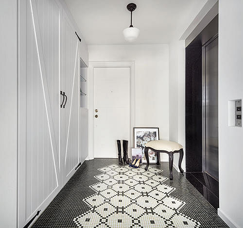 Homes With Eye-catching Flooring Tiles