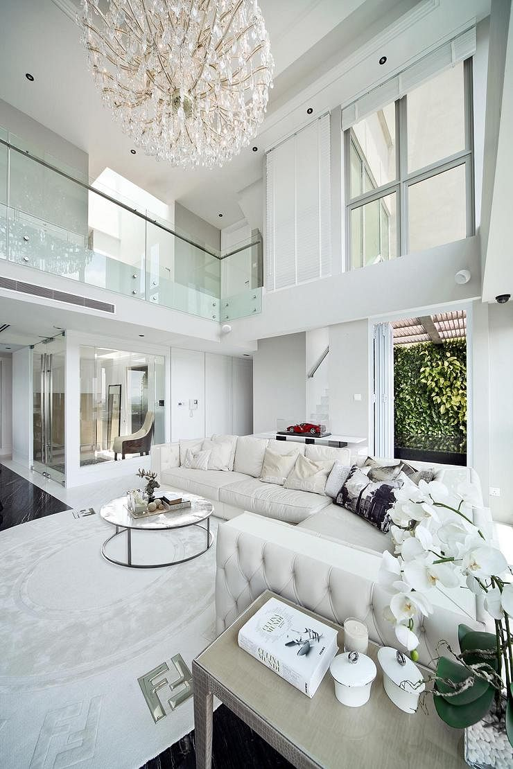 House Tour: Lots of greenery in this luxurious five-room penthouse ...