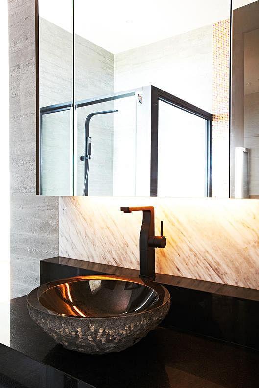 homes, bathroom, leaky, faucets