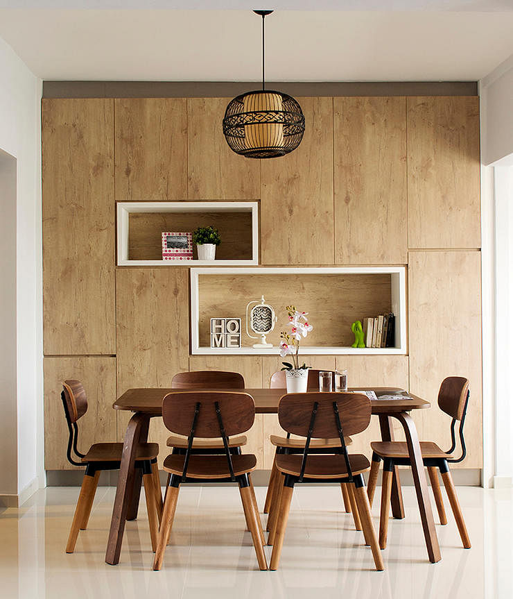 dining room design ideas: mix wood tones for your table and chairs Dining Area Design