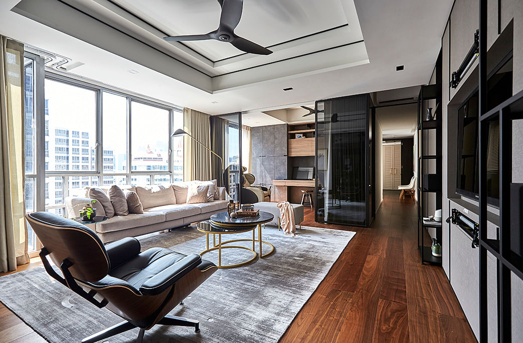 Smart Guise, a three-bedroom condo apartment, photo 3 of 11 title=