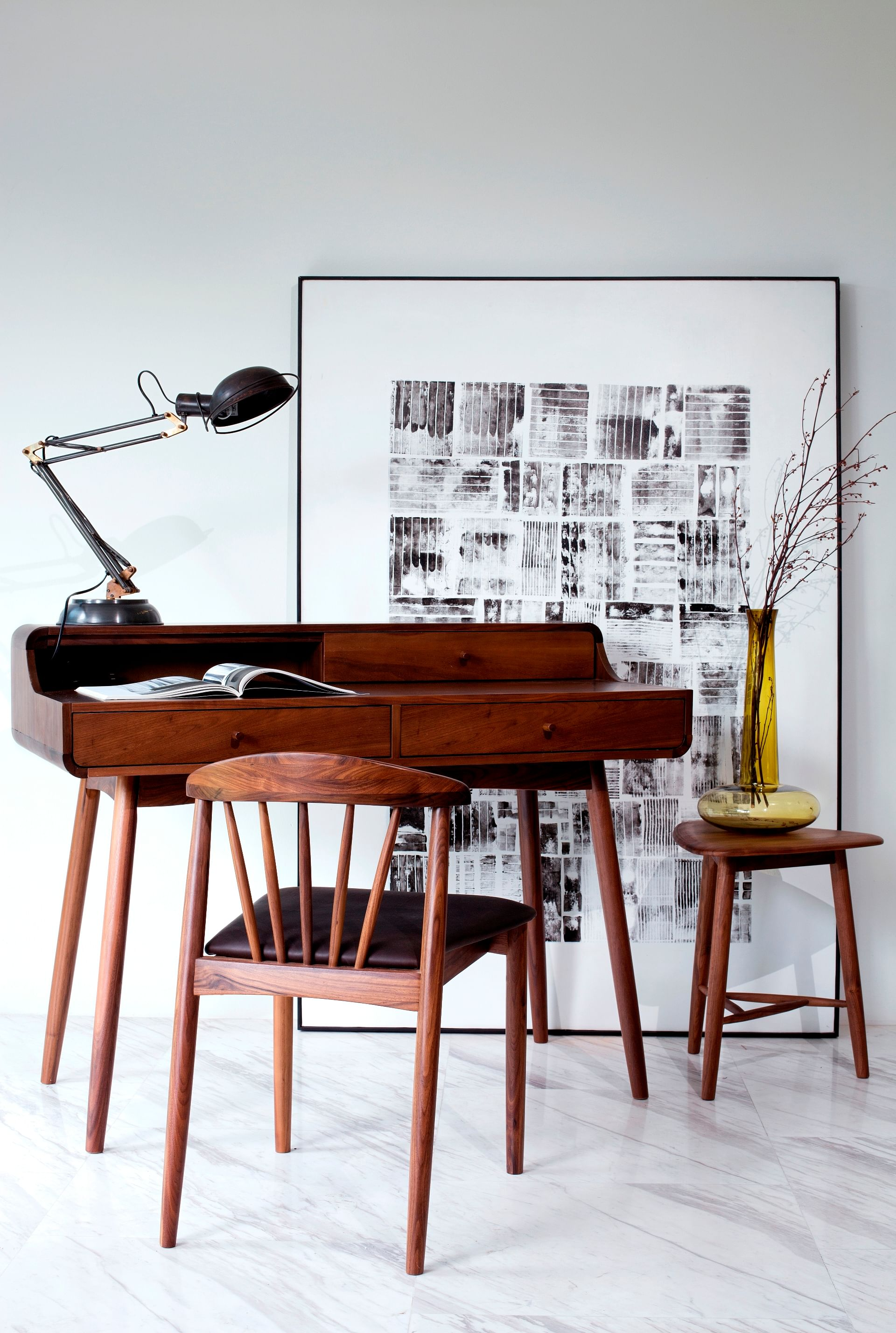 Image of: 4 Tips For Picking Fine Furniture For Small Spaces Home Decor Singapore