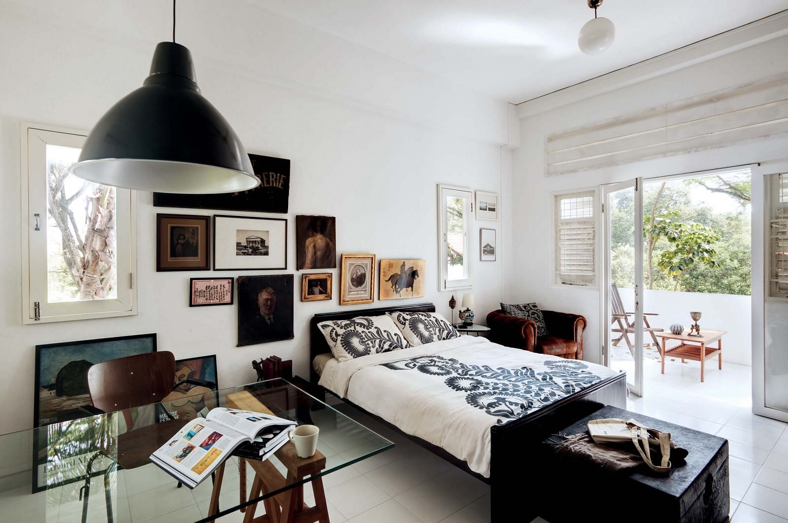 vintage, master bedroom, bed, traditional, house tour, homes, pictures, lampshade