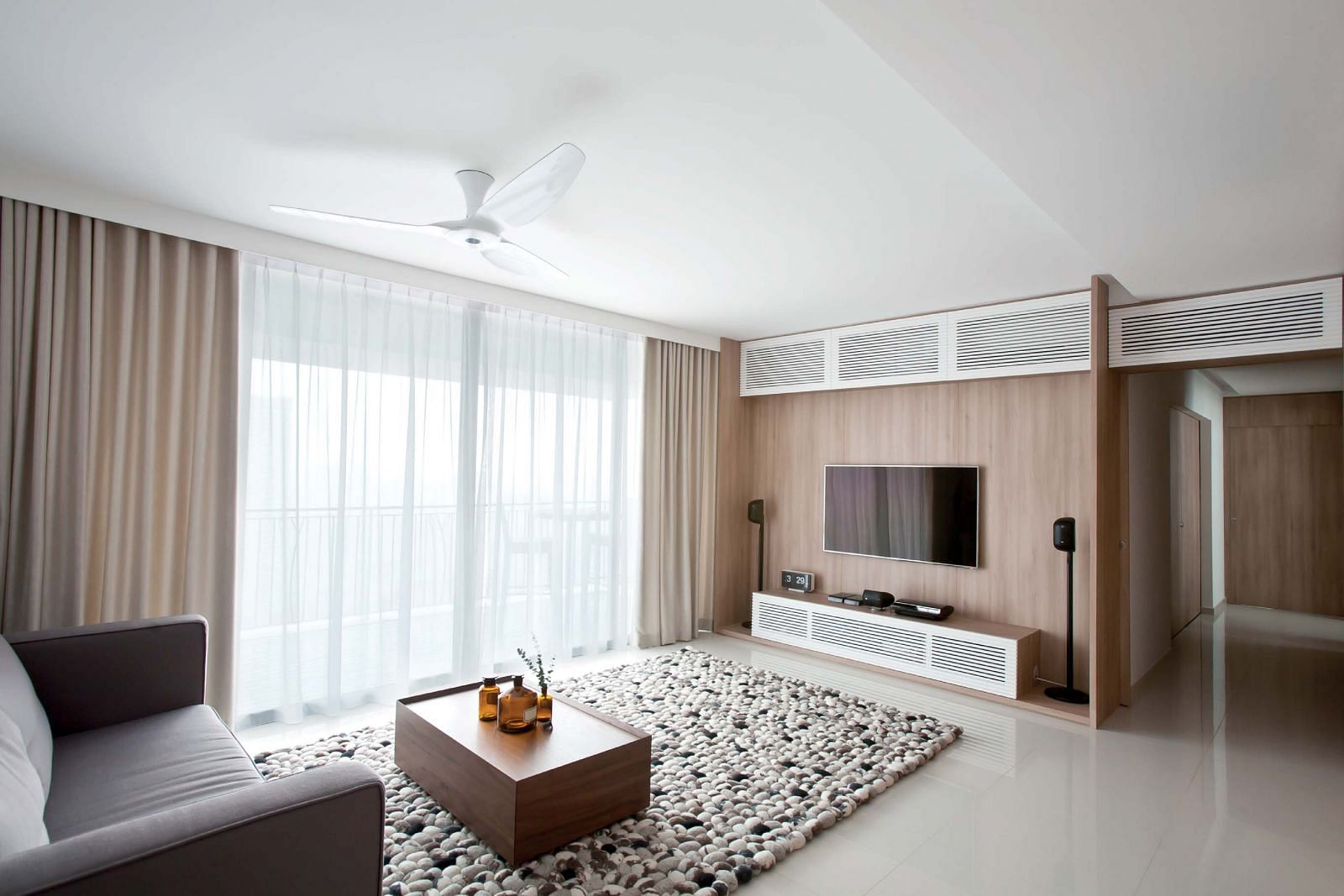 light wood, neutral, pale, textures, living room