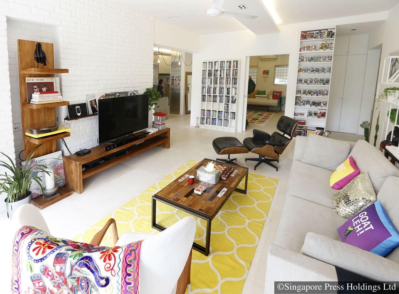 holland condo living room