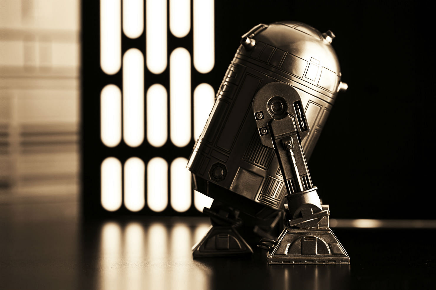 Star Wars R2D2 tea canister Royal Selangor