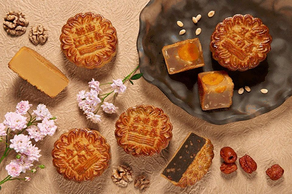 Four Seasons mooncake