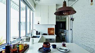 38548-new-old-three-bedroom-walk-apartment