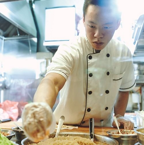 home entertaining hawker chefs for hire popiah