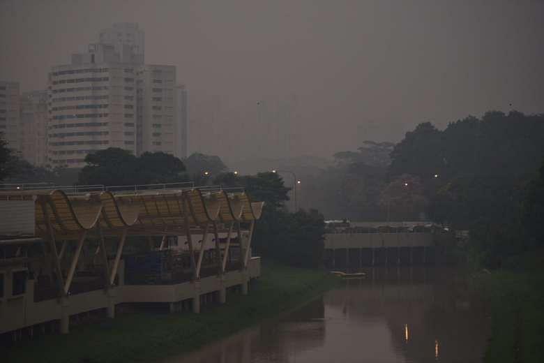 haze in singapore in april 2017