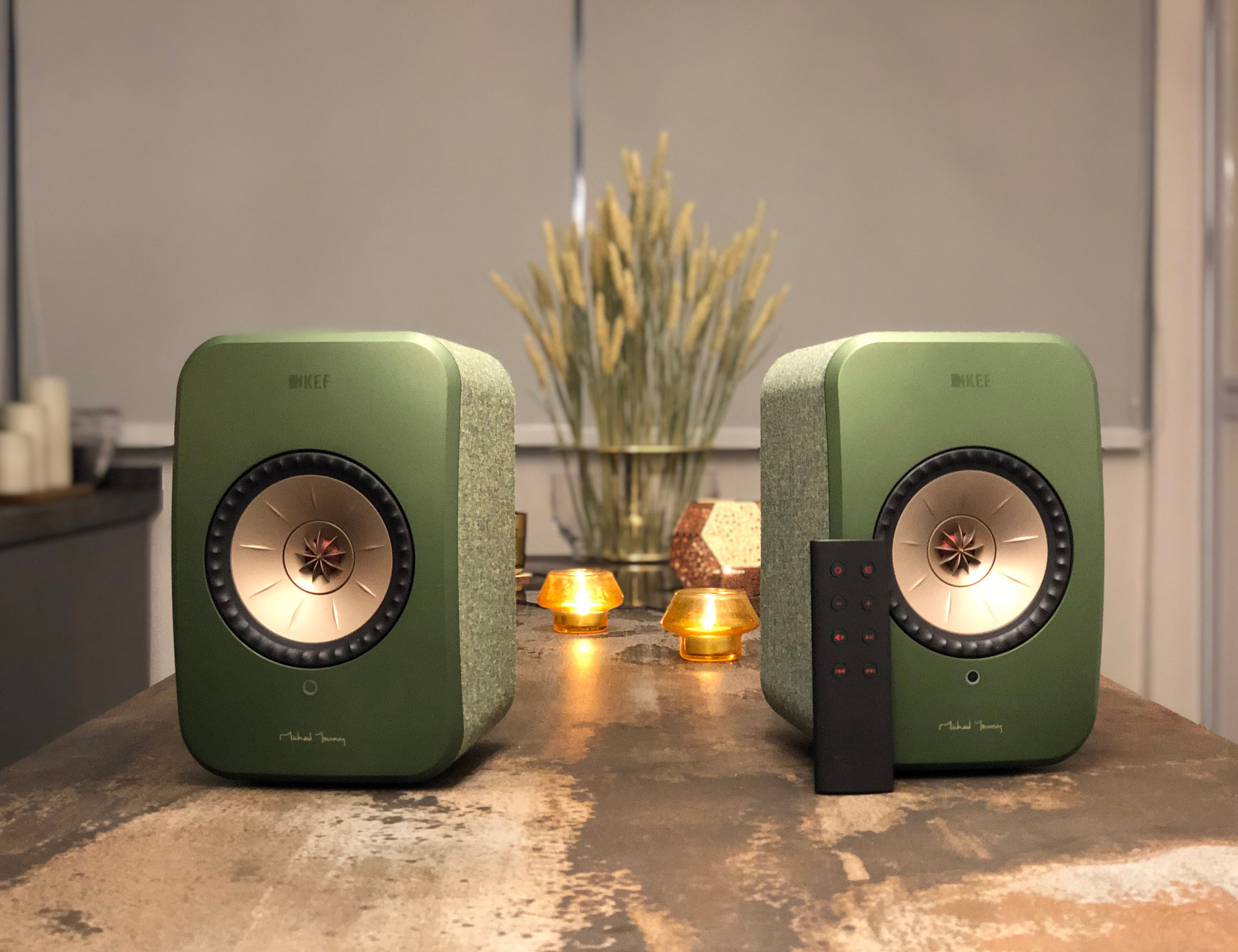 The cool look of the LSX speakers from KEF.