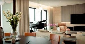 House Tour Video: Seamless spatial flow, fami...